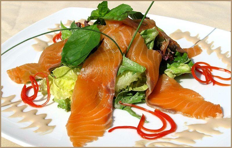 Салат з лосося фоторецепт