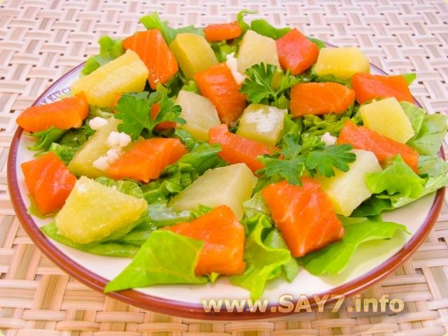 Приготовить салат с семгой