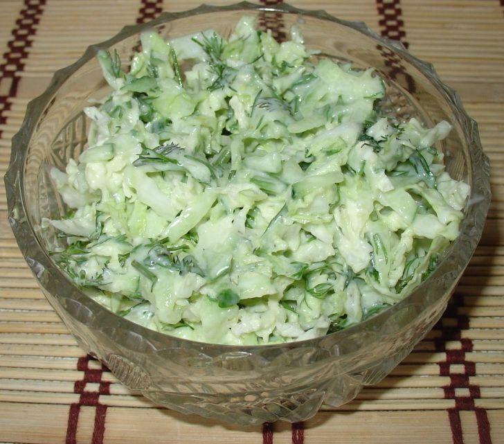 Салат из пекинской капусты и свежего огурца