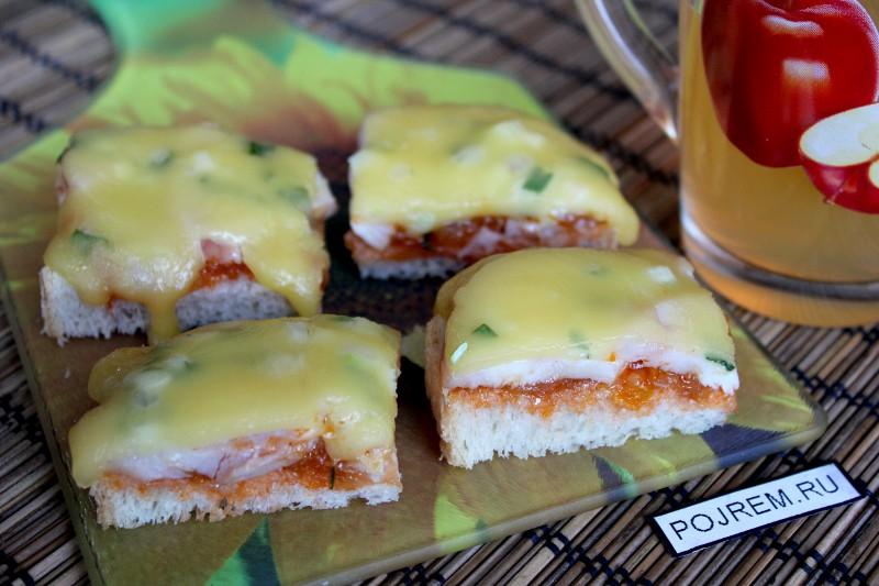 Бутербродыы с помидорами и сыром